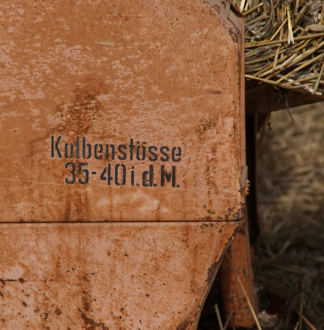 Erntezeit: Alte Dreschmaschine