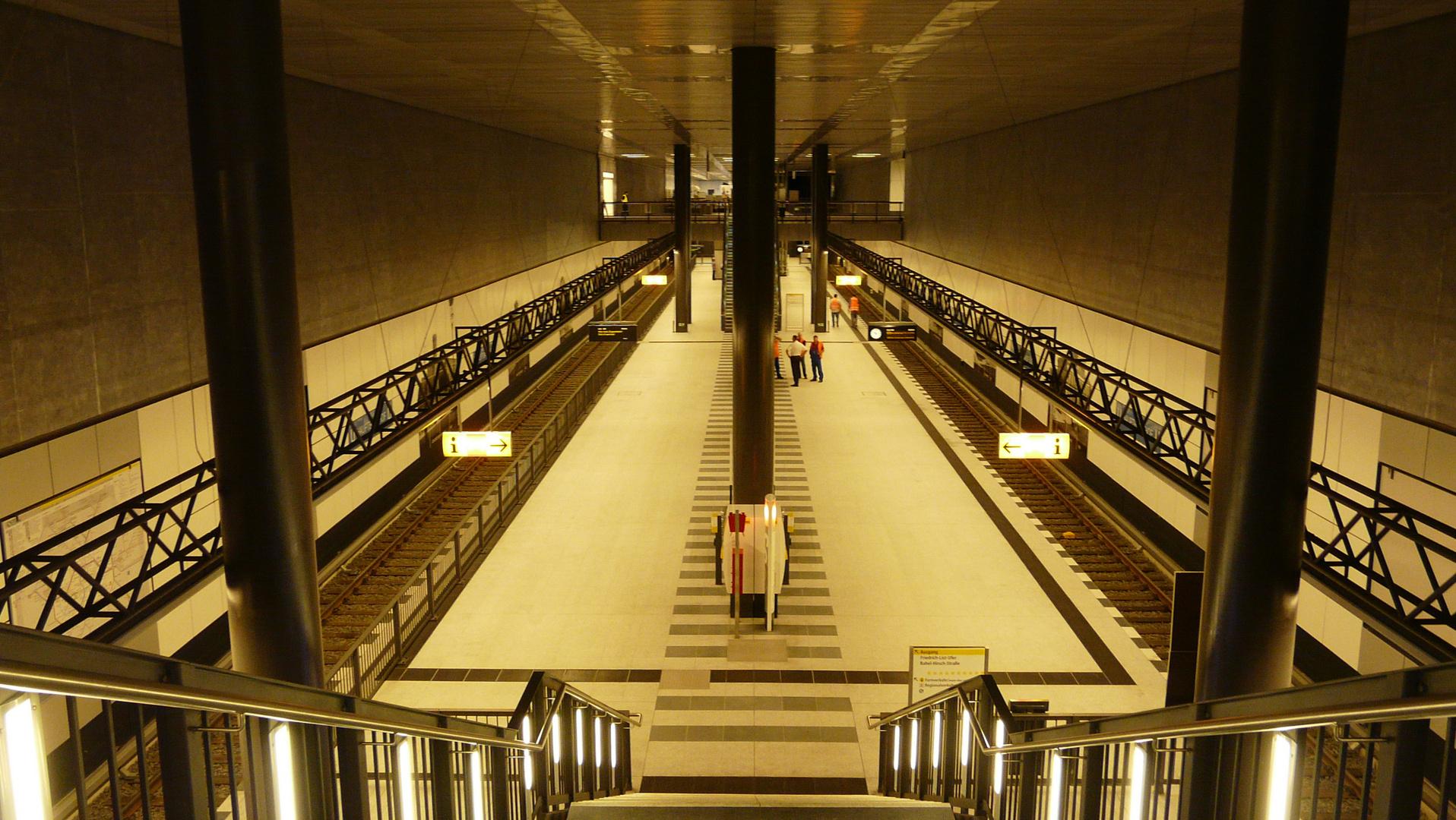 Eröffnung des neuen U-Bahnhofs im Berliner  Hauptbahnhof