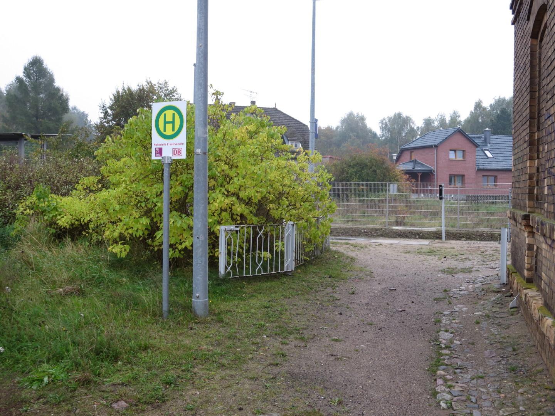 Ersatzhaltestelle am Bahnhof Groß Pankow