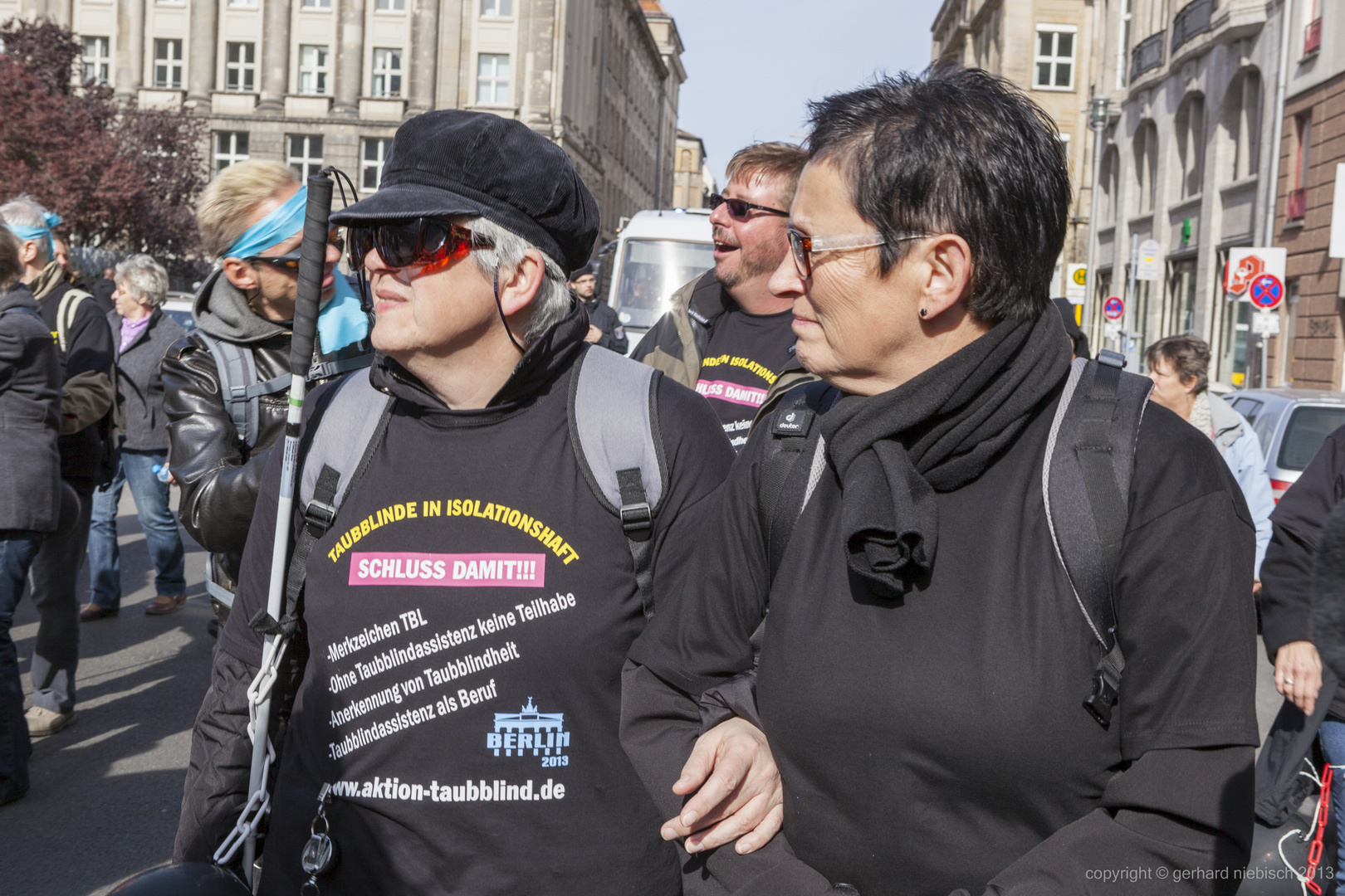 Erste Welt für Taubblinden-Demo in Berlin