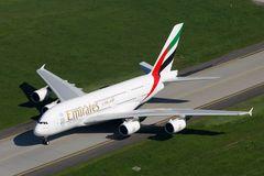 Erster A380, der in Dresden zur Reparatur der Haarrisse landet