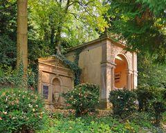 Erstes Mausoleum auf dem Burgfriedhof ...