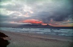 Eruptierender Tafelberg?