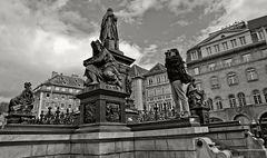Erzherzog Johann Brunnen am Grazer Hauptplatz!