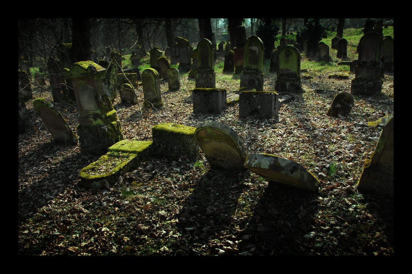 Es ist sogar für Grabsteine ein Kommen und Gehen hienieden