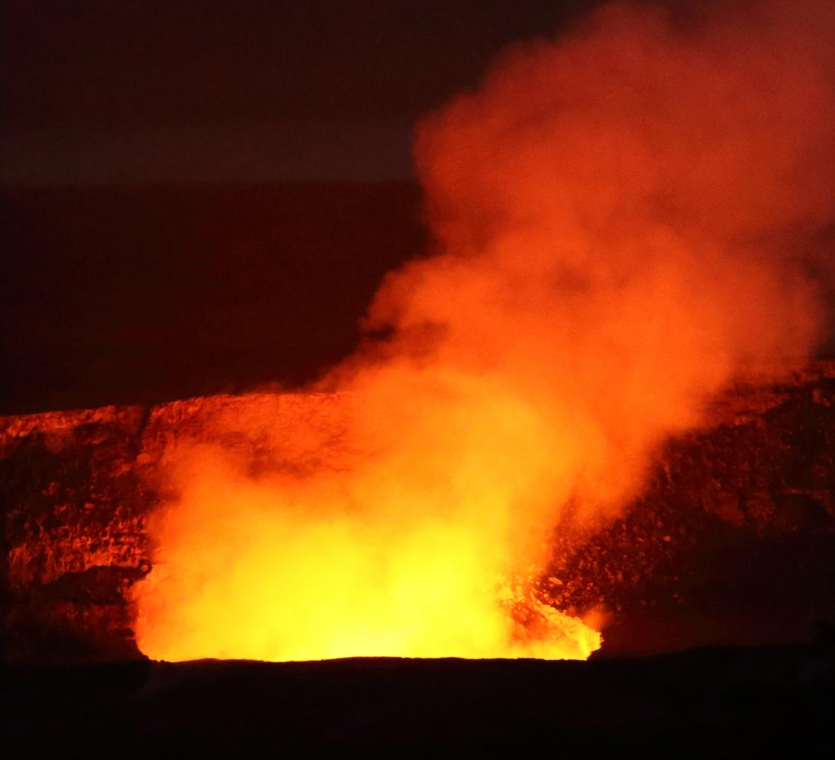 Es rumort im Kilauea Crater