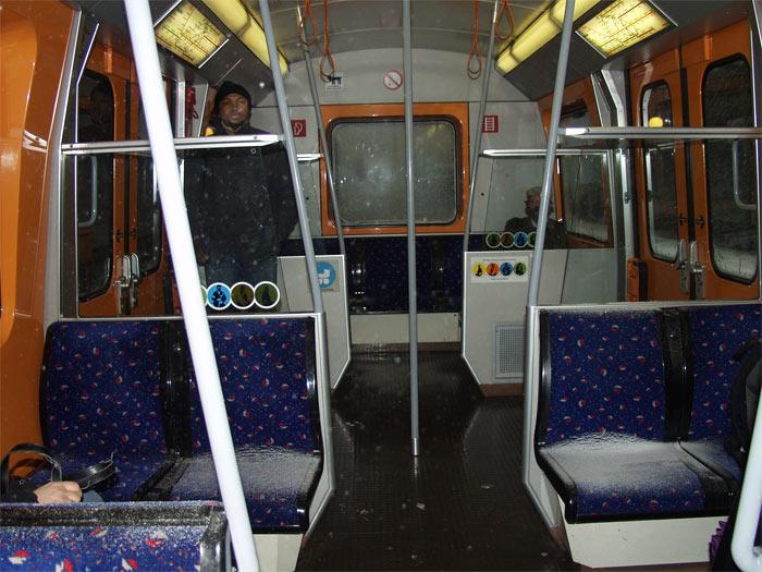 Es schneit - in der Wiener U-Bahn