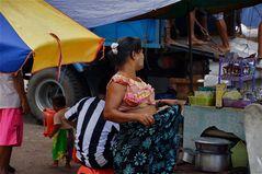 es war heiß am hafen, yangon, burma 2011