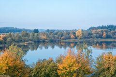 Es wird Herbst am See