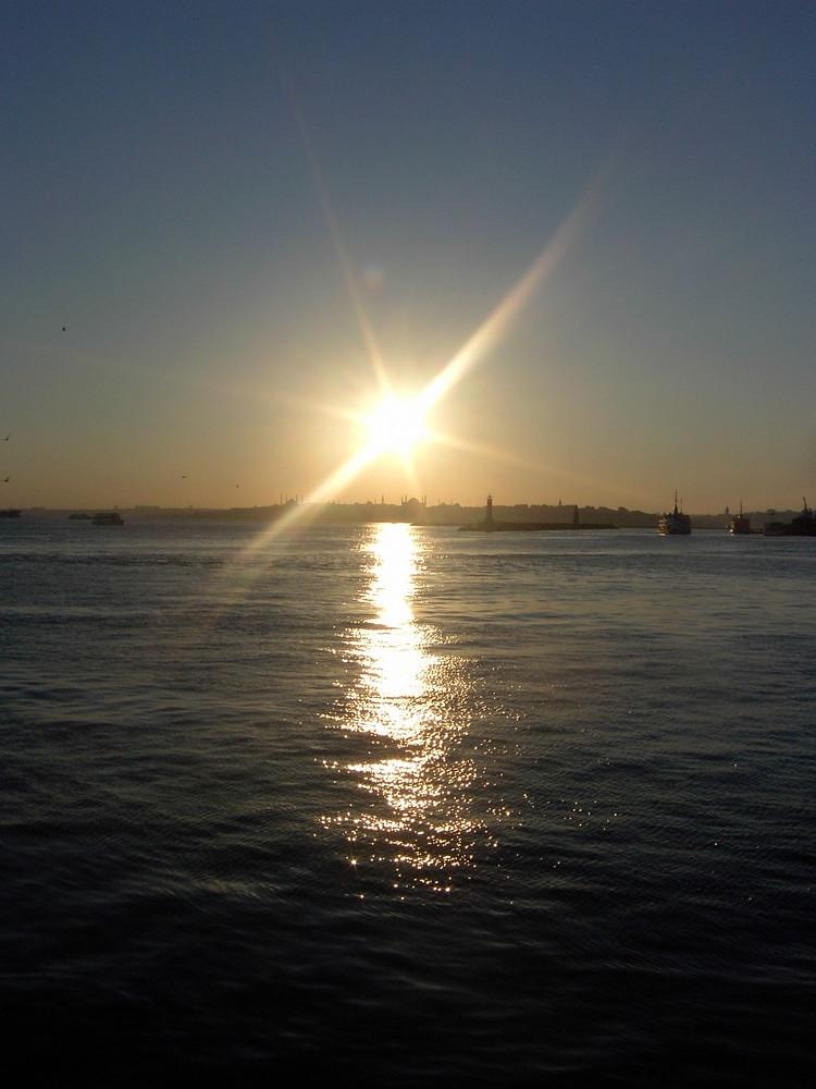 es wird Nacht am Bosporus