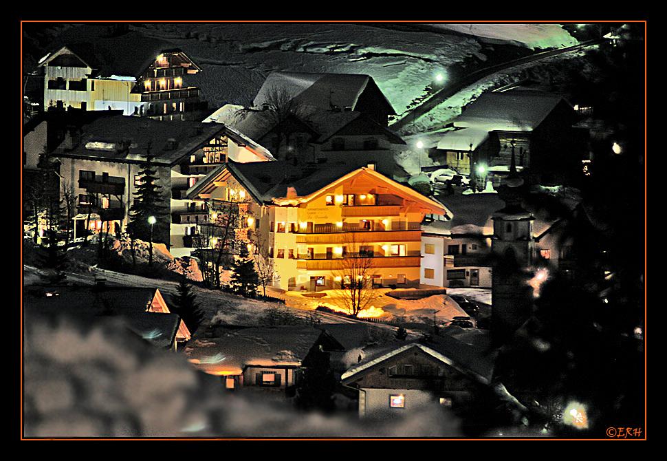 Es wird Nacht im Skiort