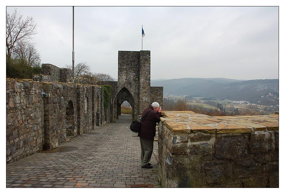 es wurde scharf geschossen auf der Schlossruine in Arnsberg