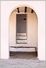 Escaleras hasta la puerta