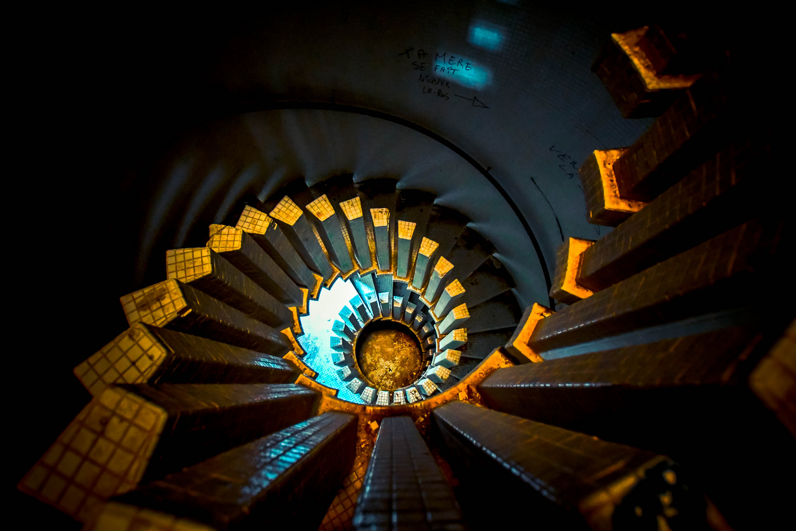 escalier en colimaçon Foto & Bild | architektur, marodes ...