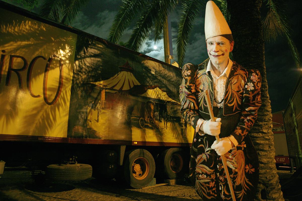 """""""Escapando con el Circo"""" 1"""