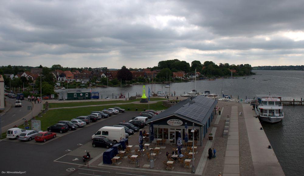 Esch am Hafen , da wo Kaffee und Fischbrötchen voll gut sind ......