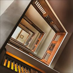 * Escher-Treppe *