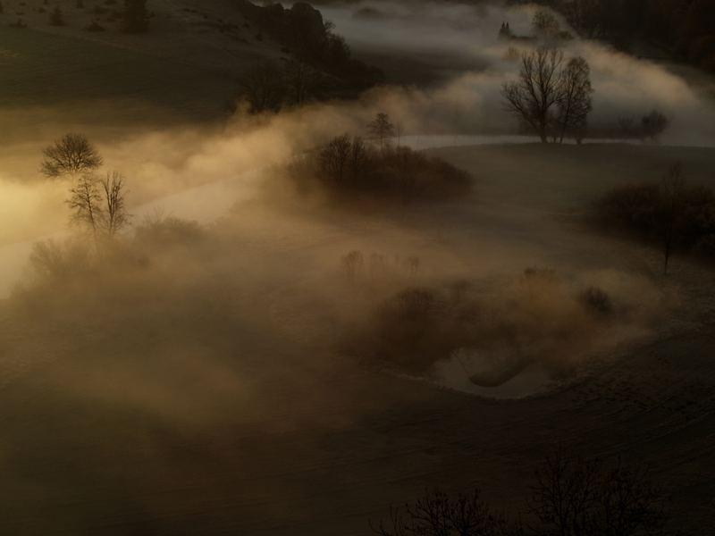 Eselsburger Tal im Morgennebel