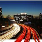 Essen A40 - Skyline zur blauen Stunde