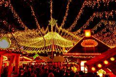 Essen - Der Kennedyplatz unter einem Sternenzelt