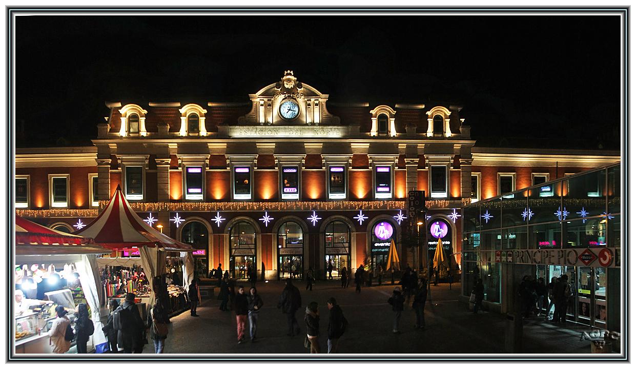 Estacion del Norte - Principe Pio Nocturna Navideña (Panoramica 6 Img)