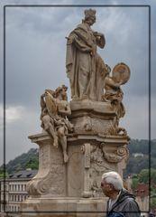 Estatua de San Francisco de Borja en el Puente Carlos