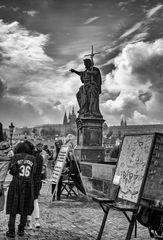 Estatuas religiosas en el Puente Carlos IV