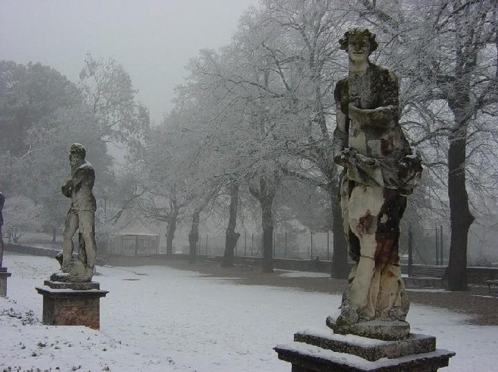 Este (Padova) - I giardini del castello