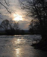 Et au milieu, coule une rivière