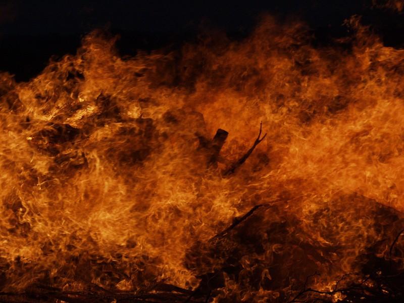E.T. im Feuer...