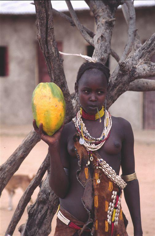 ETIOPIA - ragazza da marito