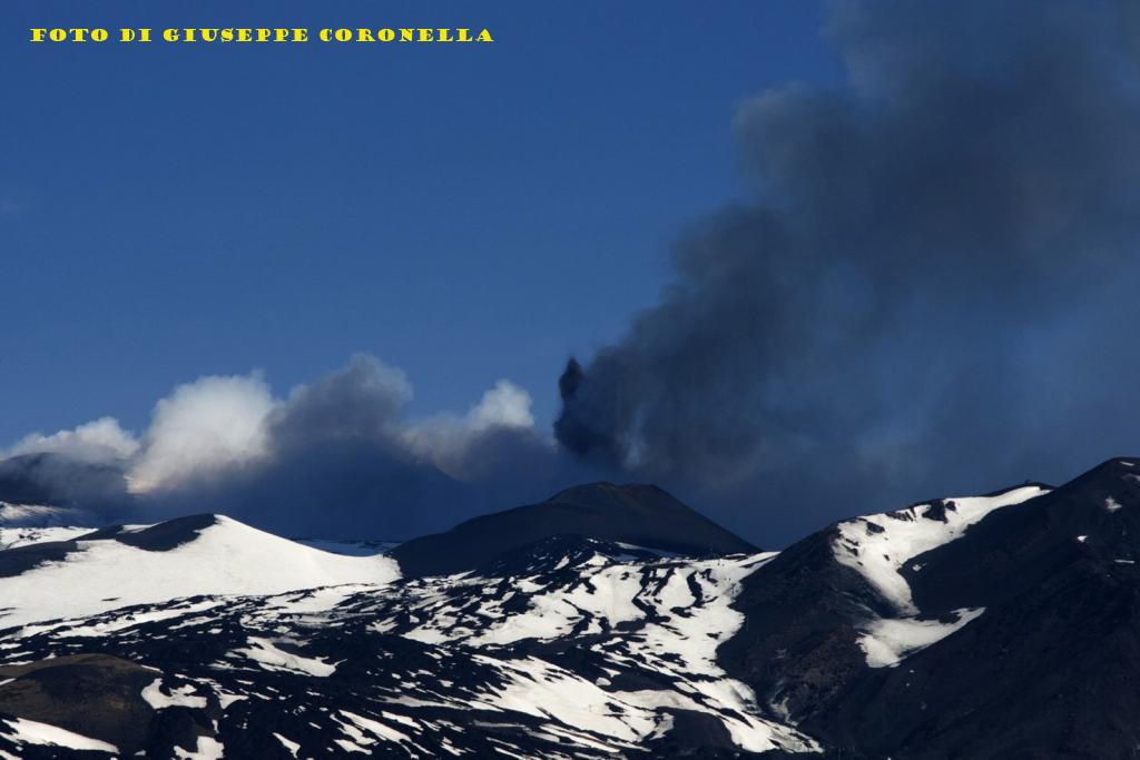 Etna (eruzione 2013 ore 13.00 Belpasso CT ITALY)