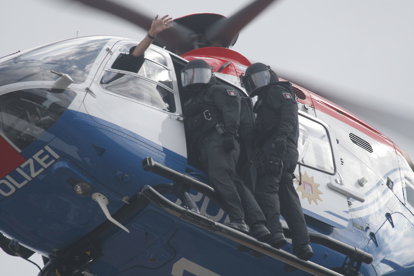 Eurocopter mit SEK Beamten