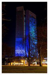 Eurotower bei Nacht, beleuchtet