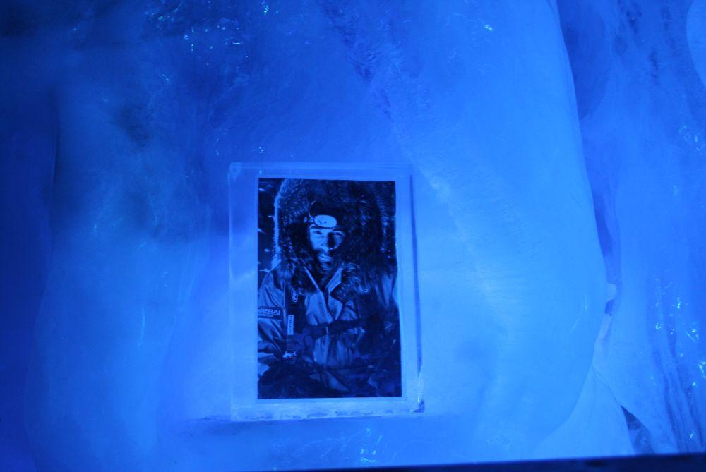 Expeditionen verewigt im Eis