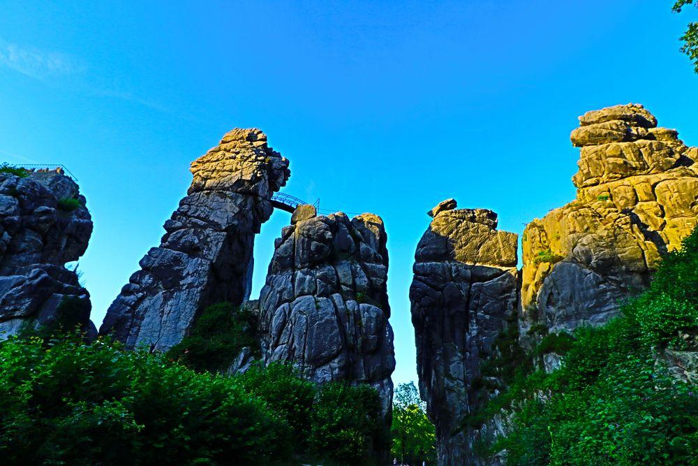 Externsteine - Monumente und Kultstätte am Fuß des Hermannweges
