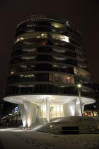 Extravagantes Wohngebäude am Sandtorhafen in der Hafencity