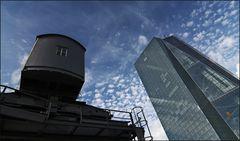 * EZB in Frankfurt