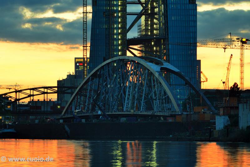 EZB & Mainbrücke Ost