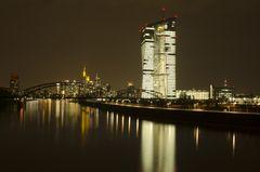 EZB, Skyline und Deutschherrenbrücke