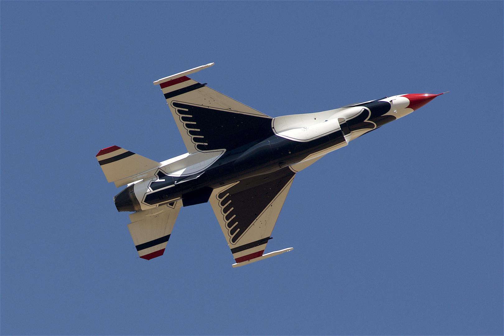 F 16 / Fighting Falcon