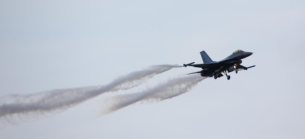F-16 Fighting Falcon I