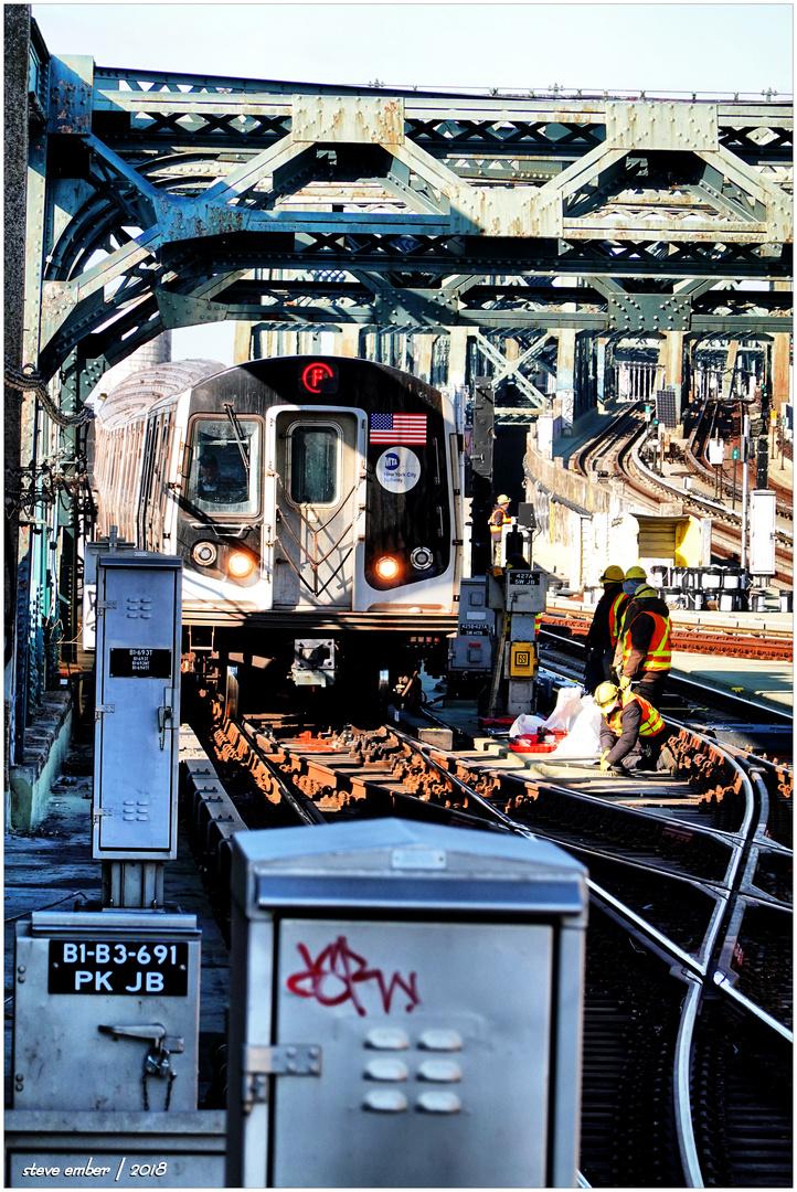 F Train Enters Fourth Avenue/Ninth Street Station