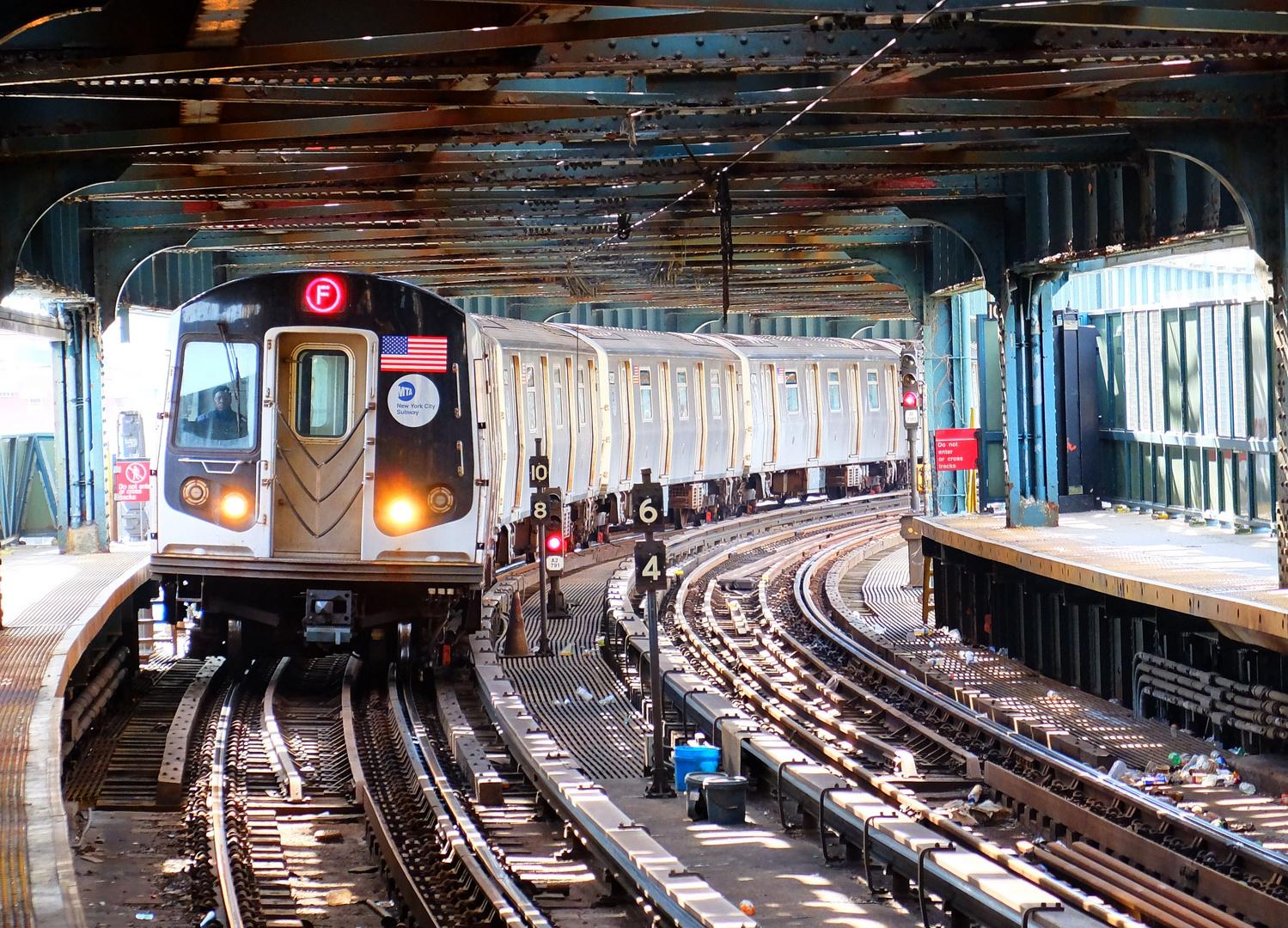 F-Train (NYC West 8 St)