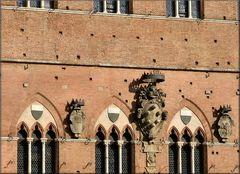 Facciata a Siena