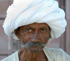 Faces of India V