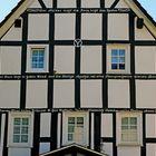 Fachwerkhaus (Pizzeria) in 57399 Kirchhundem - Welschen Ennest (Ausschnitt Inschrift)