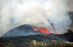 FAGRADALSFJALL - Blick zum Vulkanausbuch