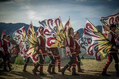 Fahnen Künstler beim Südtiroler Ritterspiel