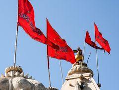FAHNEN überm TEMPEL Rajsthan India